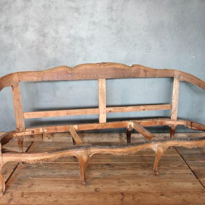 Fusto anni '20 di vecchio divano in stile