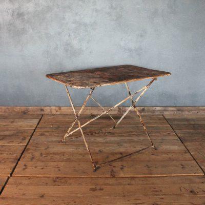 Tavolino da bistrò in ferro color ruggine e bianco