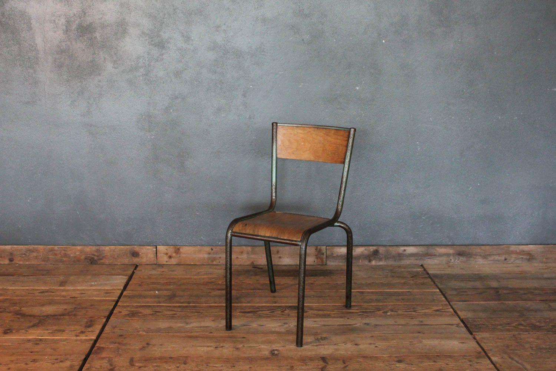 Sedie In Legno Anni 50.Sedia Vintage Da Scuola Impilabile Francese Anni 50 La Centrale