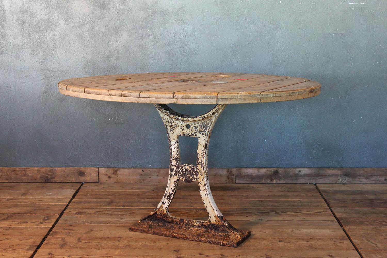 Tavolo Industriale Usato : Tavolo con base in ghisa prima la centrale