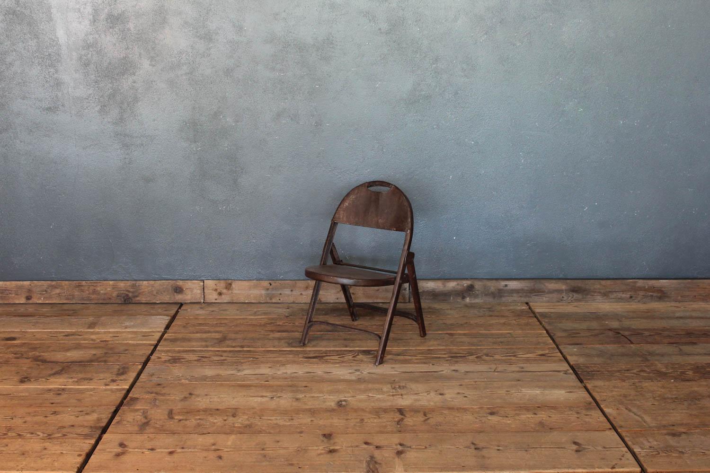Sedia pieghevole da bambino in latta colore marrone scuro anni '20