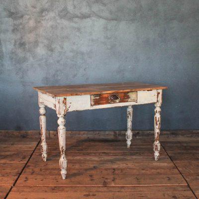 Tavolo da osteria fine '800 in abete colore bianco e legno