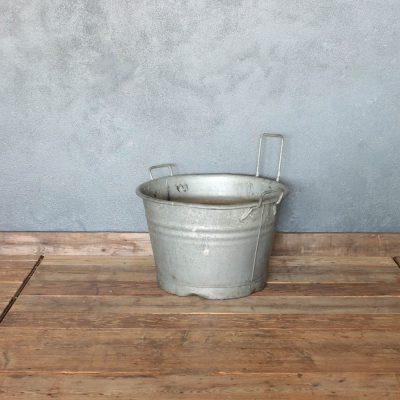 Secchio vintage in zinco vecchio
