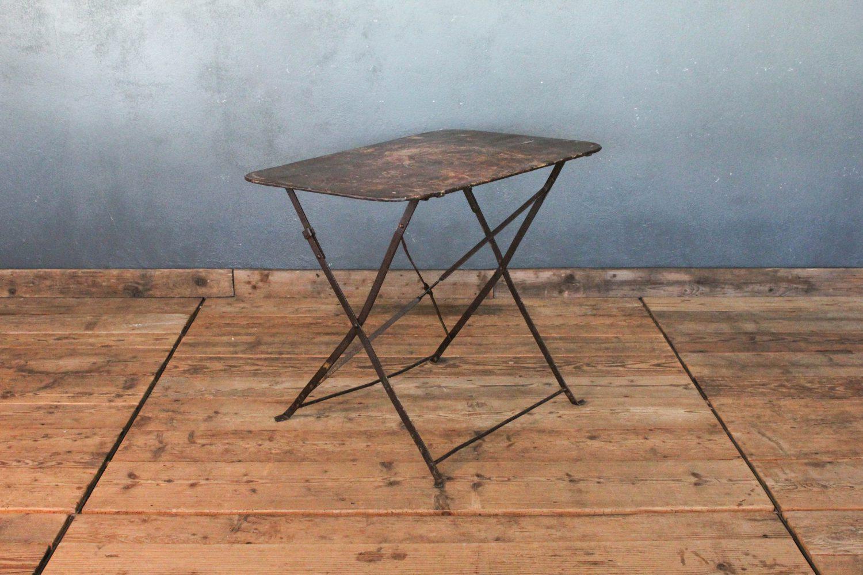 Tavolo pieghevole da bistrot in ferro